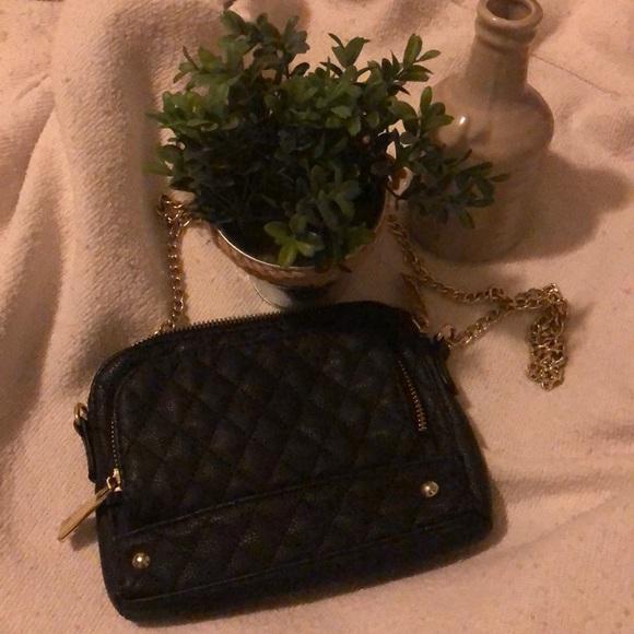 Steve Madden Handbags - 🔥 3/$10   Steve Madden Cross Body